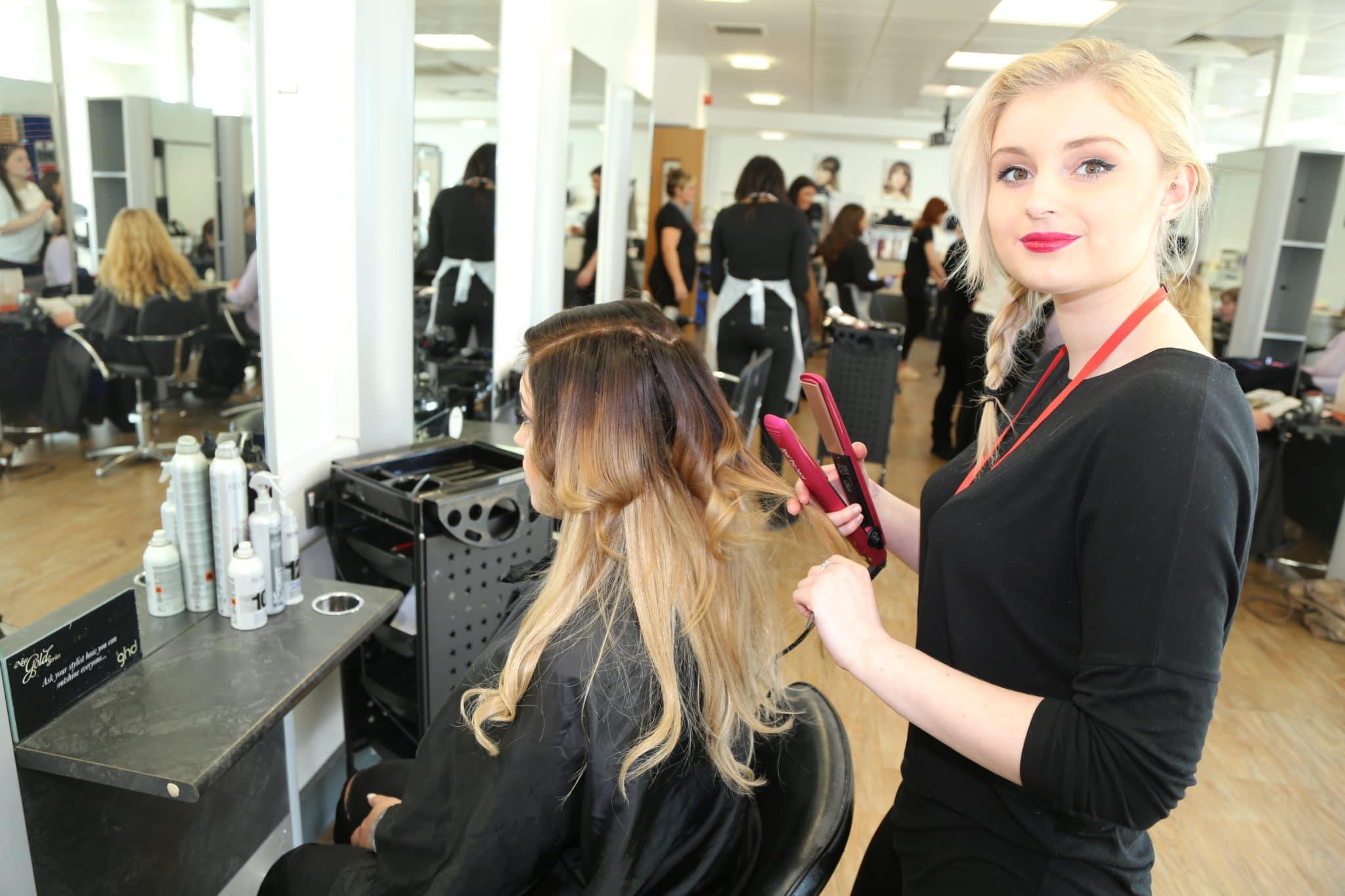 Hairdressing student